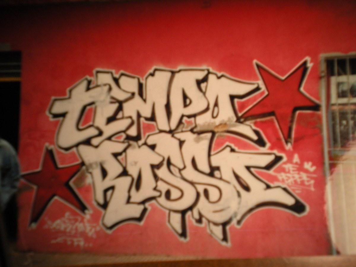 il rpimo graffito apparso a Pignataro
